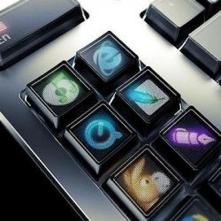 draft_lens2372804_1231681482optimus_maximus_keyboard_closeup